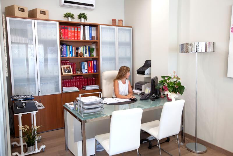 Galeria de imagenes de la oficina aeg asesoria laboral for Oficina correos cadiz